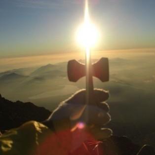 1st_「御来光」The sunrise seen from the Mt. Fuji, top of the highest peak of Japan. (Takeshi Yano, Japan)